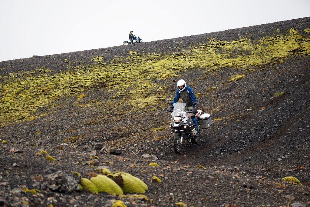 Motorreis IJsland. Op de motor door het binnenland van IJsland is alleen voor de avontuurlijk ingestelde motorrijder.