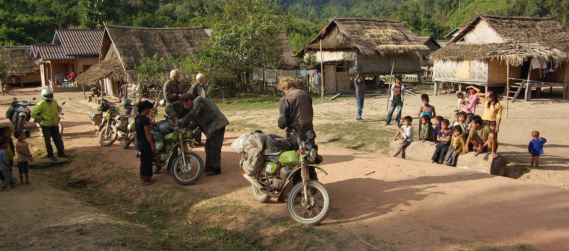 Download de gratis brochure van de avontuurlijke motorreis door laos-Vietnam.