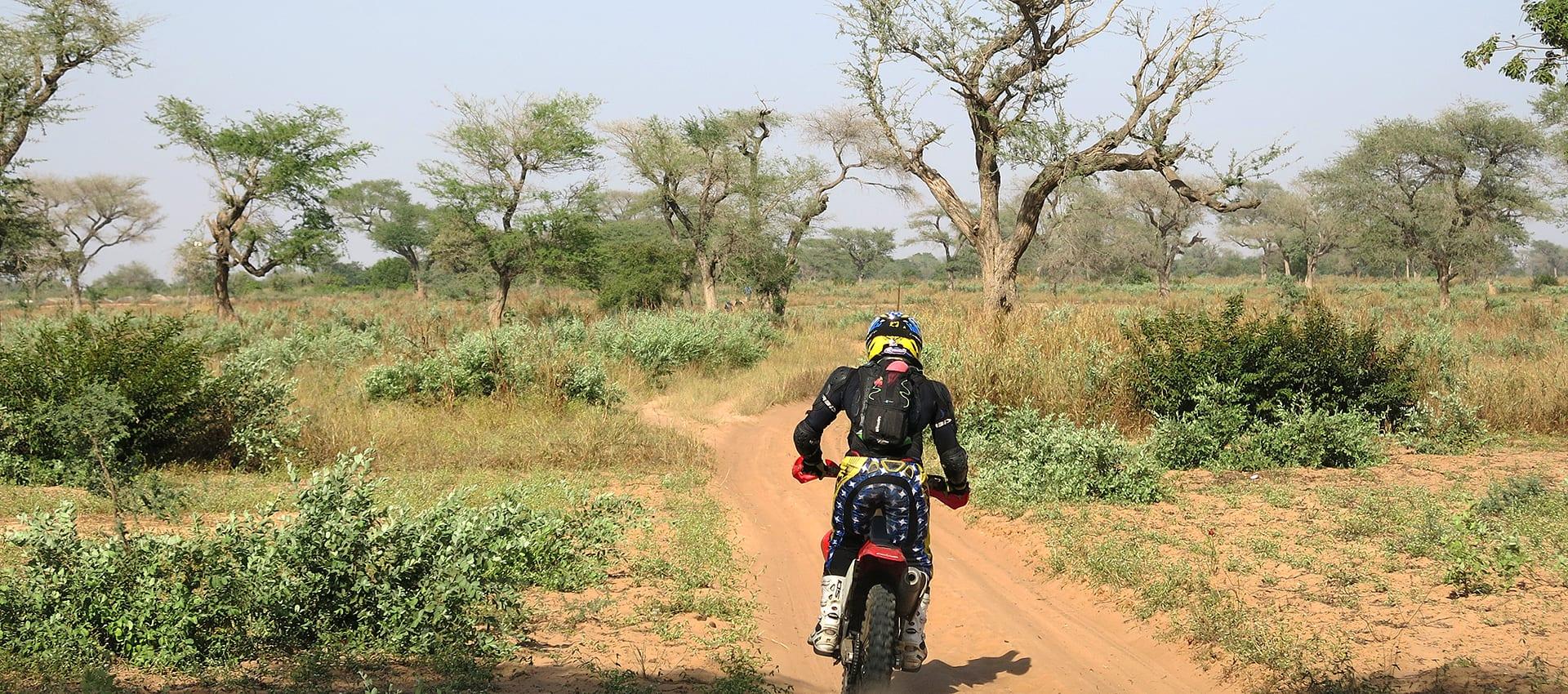 Schrijf je in voor een heus Afrikaans motoravontuur de Allroad Motor Challenge Senegal