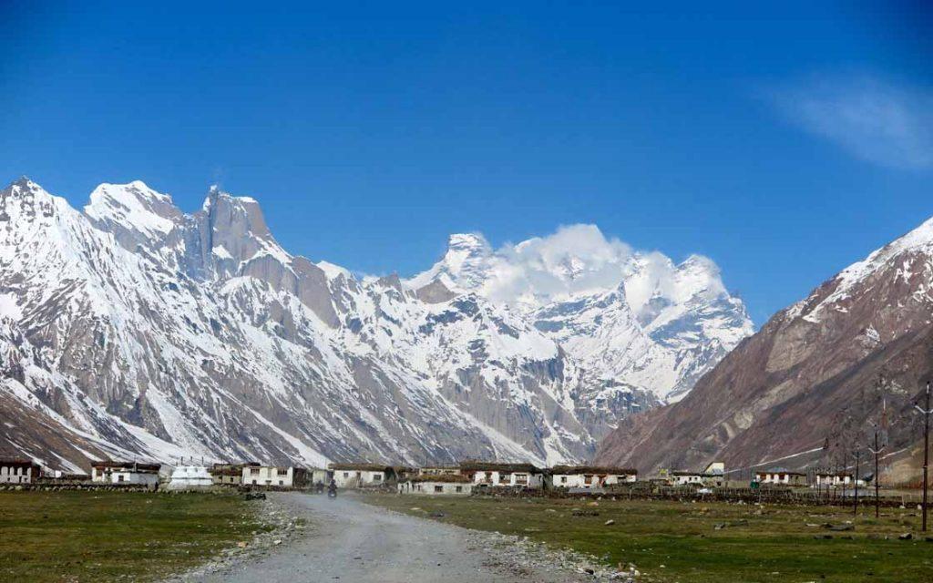 Op de motor door de Himalaya rijden is de droom van iedere motorrijder