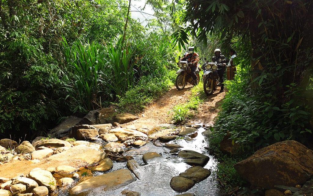 Media-fotoboek van de 18 daagse motorreis Sri Lanka , de Ceylon Motor Challenge. van Travel 2 Explore Motorreizen