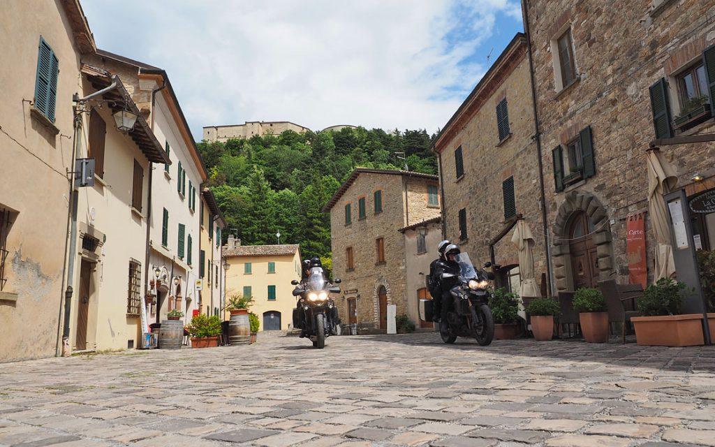 Foto 8 fotoboek motorreis Italie, Le marche. Travel 2 Explore motorreizen.