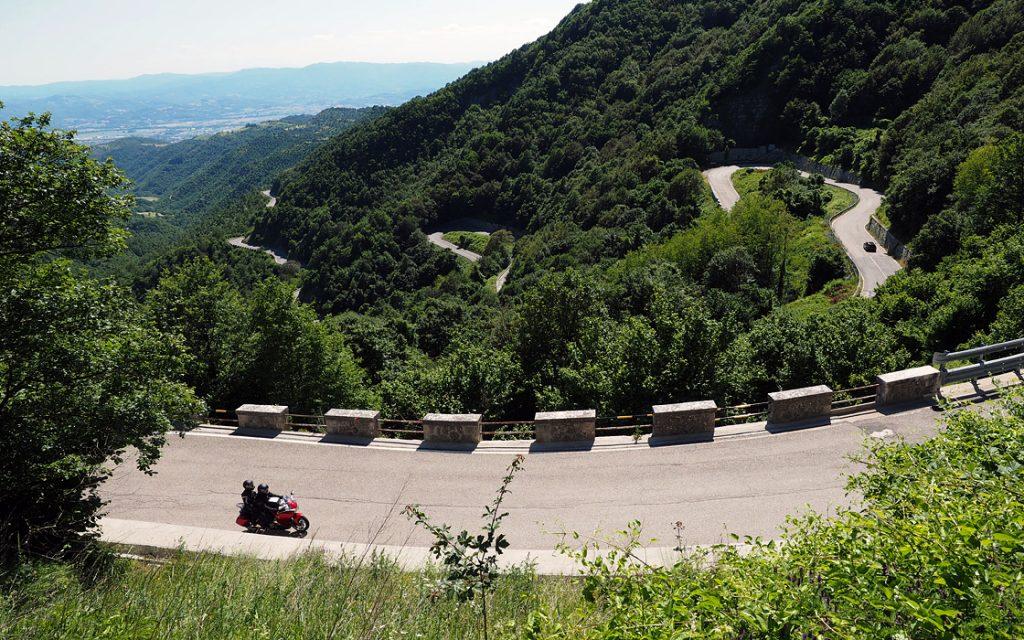 Foto 1 fotoboek motorreis Italie, Le marche. Travel 2 Explore motorreizen.