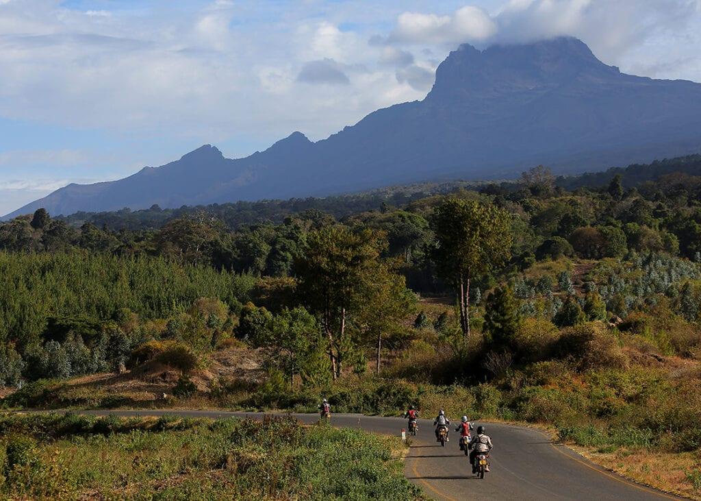 Motorreis Kenia Tanzania langs de Kilimanjaro, Travel 2 Explore avontuurlijke motoreizen