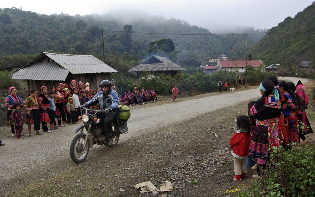 De Flower Mong tijdens de motorreis door Noord-Vietnam met Travel2Explore