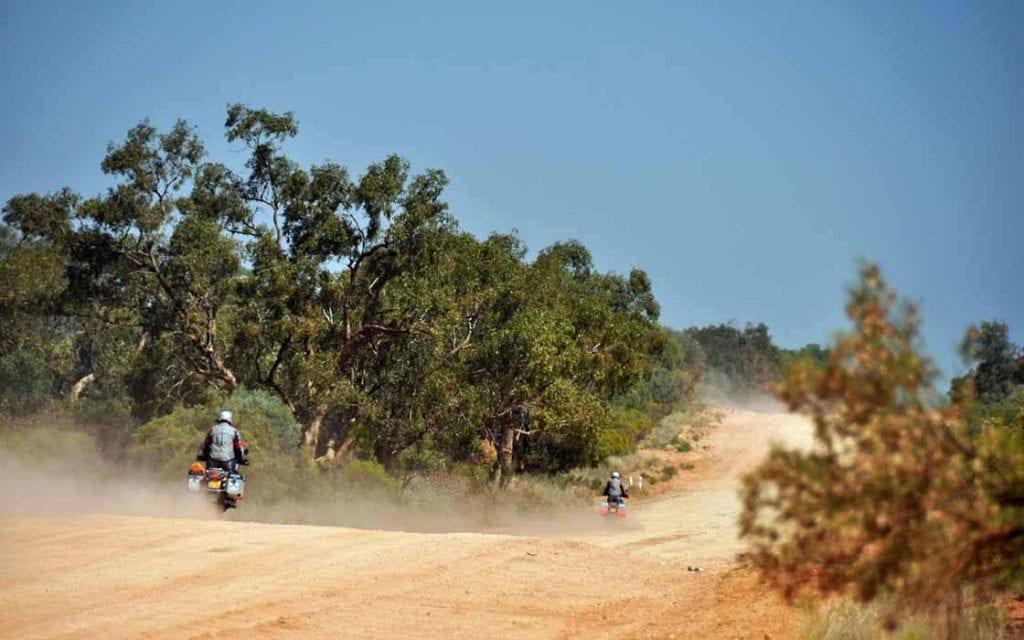 Op de eigen BMW dwars door het binnenland naar Ayers Rock, motorreis Australie