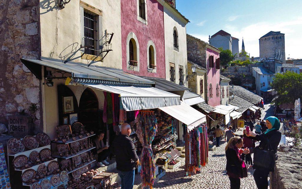 Tijdens de reis nemen we ook ruim de tijd om het dorp Mostar te bezoeken