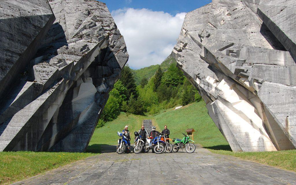 Monument ter herinnering aan de oorlog in de Balkan
