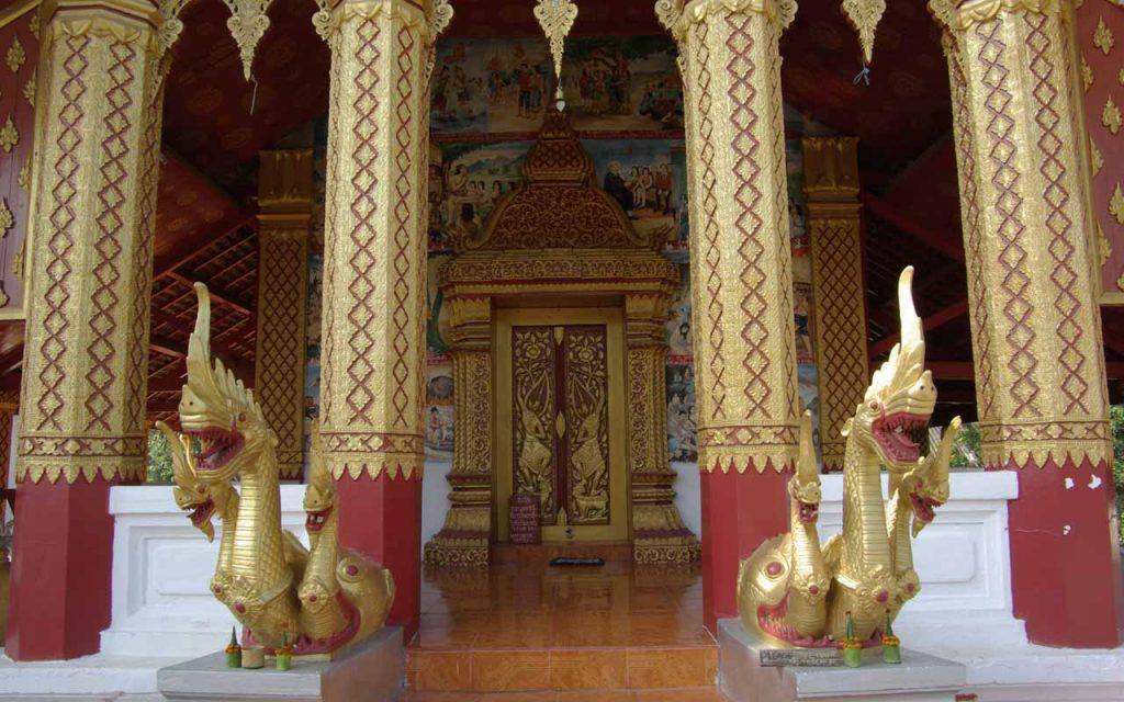 Invloeden van de boeddhistische cultuur tijdens de avontuurlijke motorreis Laos-Vietnam