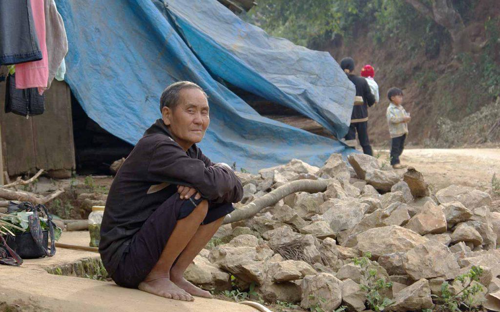 De lokale bevolking tijdens onze motorreis Laos-Vietnam