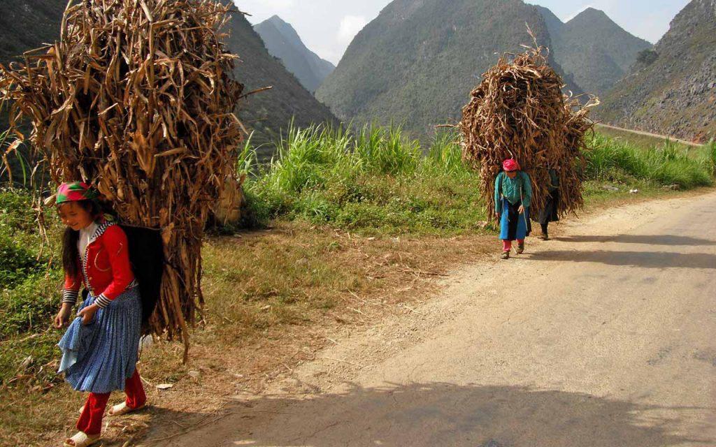 De lokale Vietnamezen tijdens onze rondreis per motor in Noord-Vietnam